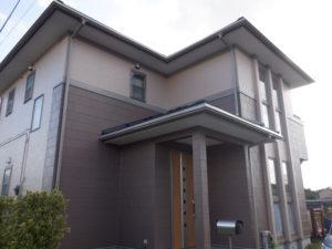 一宮町で外壁塗装・屋根カバー工事が完工です。